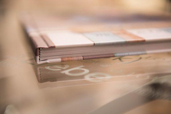 Encuadernación tipo libro